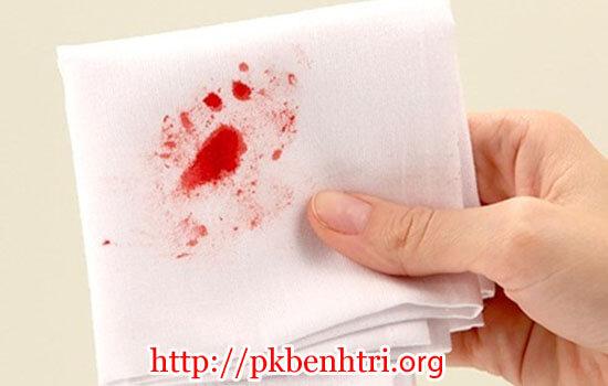 Cách phân biệt đại tiện ra máu do bệnh trĩ và bệnh khác